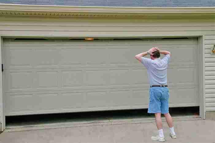 the garage door is not opening